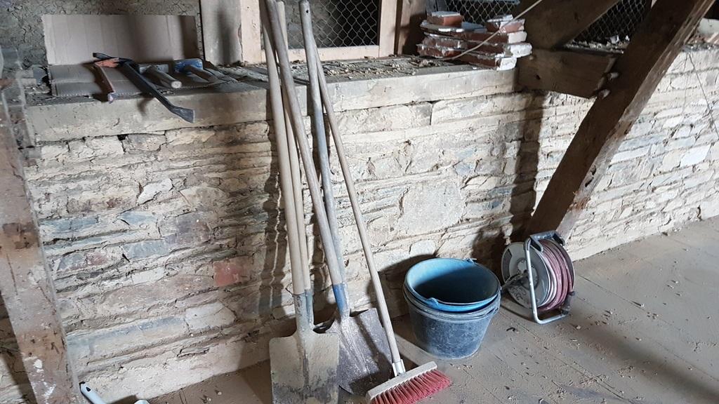 Outils démolition murs